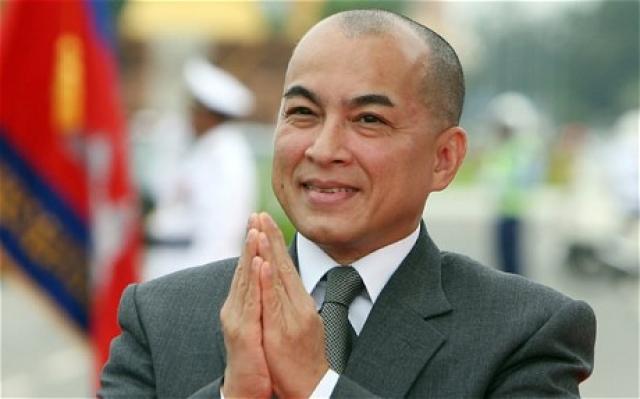Нородом Сиамони. Король Камбоджи в молодости занимался балетом и снимал фильмы.