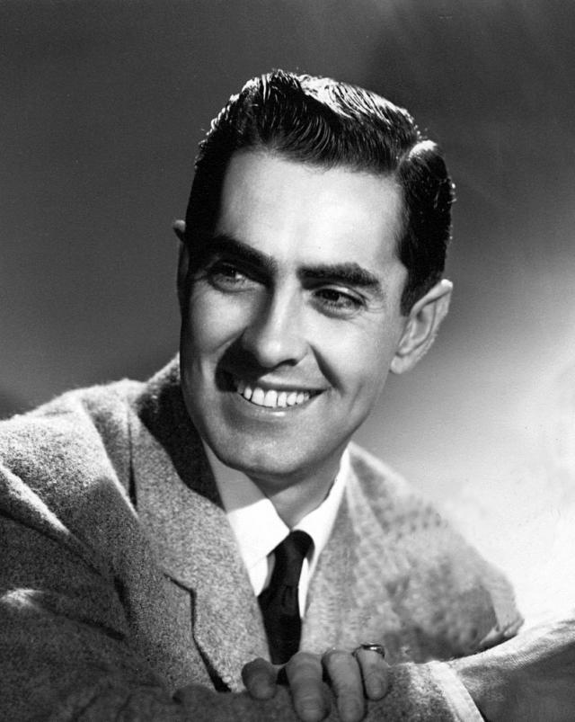 """Тайрон Пауэр. Американский актер, наиболее известный своими романтическими ролями в классических голливудских фильмах 1930-1950-х годов снимался в фильме """"Соломон и царица Савская""""."""