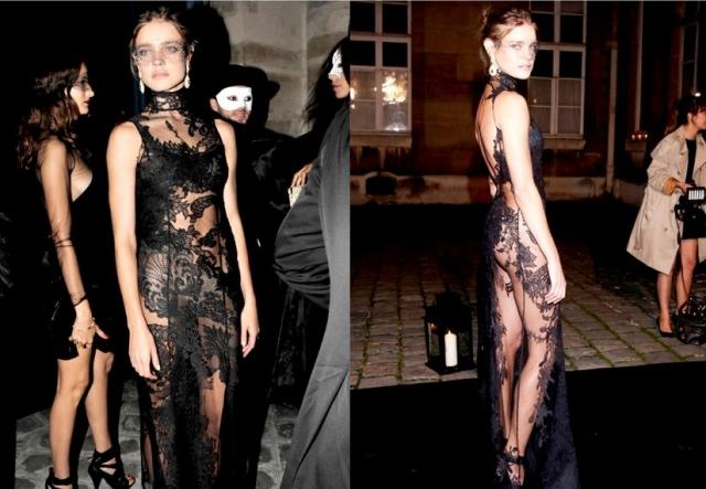 Наталья Водянова в волнующем наряде на маскараде журнала Vogue.