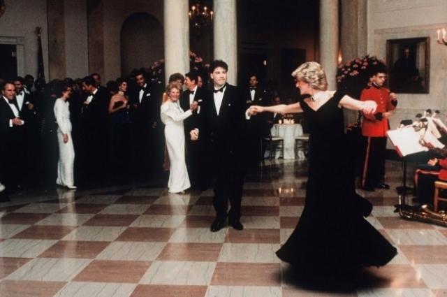 Принцесса Диана и Джон Траволта танцуют в Белом доме, 1985 год