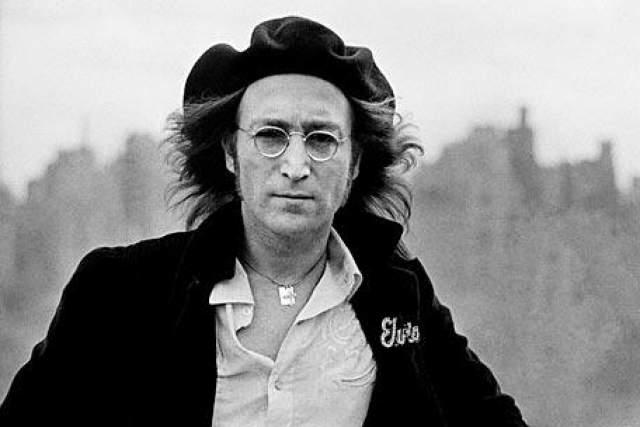 """Джон Леннон В декабре 1980 года основатель и участник группы """"The Beatles"""", поэт, композитор, художник, общественный деятель Джон Леннон был убит психически неуравновешенным гражданином США Марком Чэпменом."""