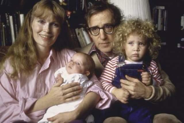 С Имей Фэрроу в гражданском браке Аллен прожил 12 лет, она снялась в 13 его фильмах. Именно на ее приемной дочери он женат сегодня.