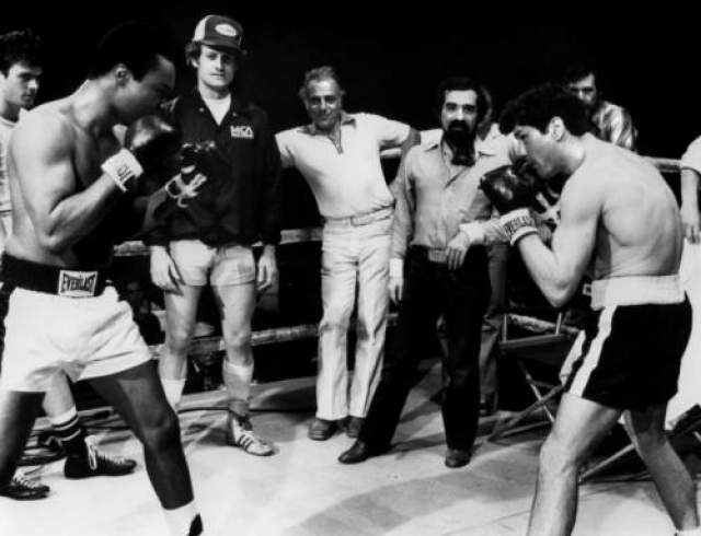 Для съемок в фильме Де Миро интенсивно занимался боксом и для полноты картины даже принял участие в трех настоящих поединках. В двух из них он одержал победу.