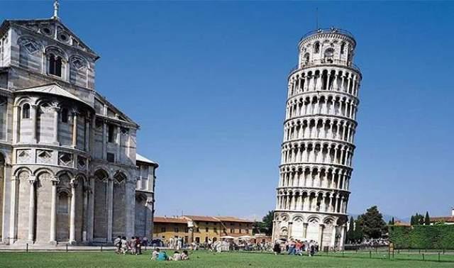 Парадокс Пизанской башни Потребовалось целых 117 лет, чтобы возвести Пизанскую башню, и всего 10 лет для того, чтобы она начала наклоняться.