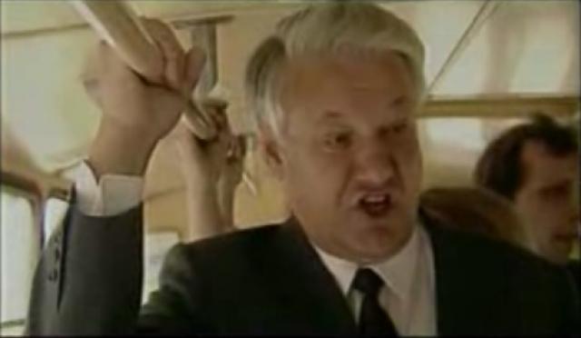 На посту первого секретаря Московского городского комитета Ельцин удивил многих жителей столицы своей доступностью, поездками в городском общественном транспорте, внезапными посещениями магазинов, а также организацией осенью 1986 овощных и фруктовых ярмарок.