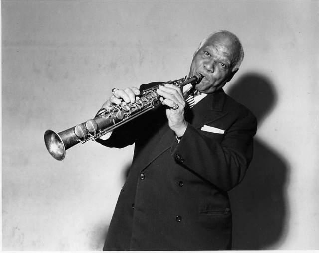 В возрасте 64 лет музыкант скончался от рака.