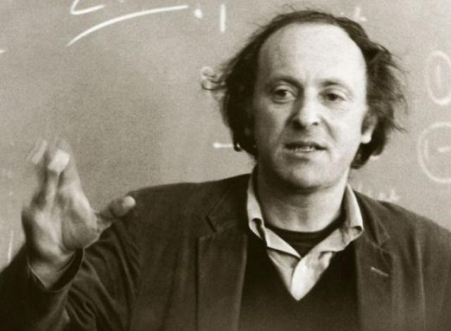 Он был поэтом, временно состоящим при университете, и преподавал в качестве приглашенного профессора в Университете штата Мичиган, Куинс Колледж, Колумбийском университете и Кембриджском университете в Англии.