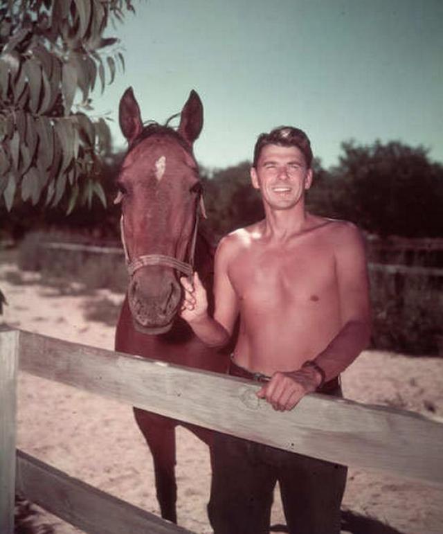 В фильмографии Рональда более 50 кинокартин, причем хитов среди них нет: он любил играть ковбоев, выбирал сценарии только с положительными образами.