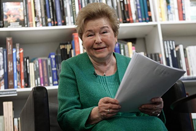 Сейчас Наина Ельцина занимается мероприятиями, посвященными памяти покойного супруга.