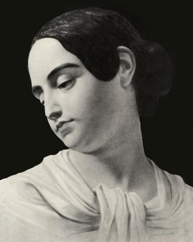 В 25 лет Вирджиния умерла туберкулеза, что стало потрясением для Эдгара. Пожалуй, именно после смерти женщина стала его музой.