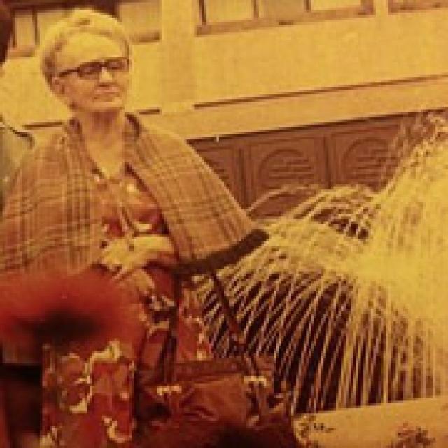 Патэрсон, вспоминая рассказы бабушки о ее до-филиппинской жизни, сделала вывод, что Тасия жила в богатой семье. В частности, по словам Кэтрин, та рассказывала, что у нее было три сестры и брат. Брата она называла Алексеем, одну из сестер - Марией.