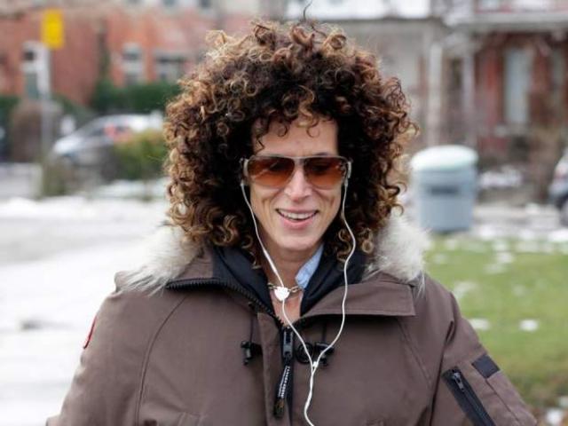 В 2004-м Констанд подала гражданский иск к Косби, и тот признался, что действительно давал девушке таблетки, и они провели вместе ночь, но актер уверяет, что все произошло по обоюдному согласию.