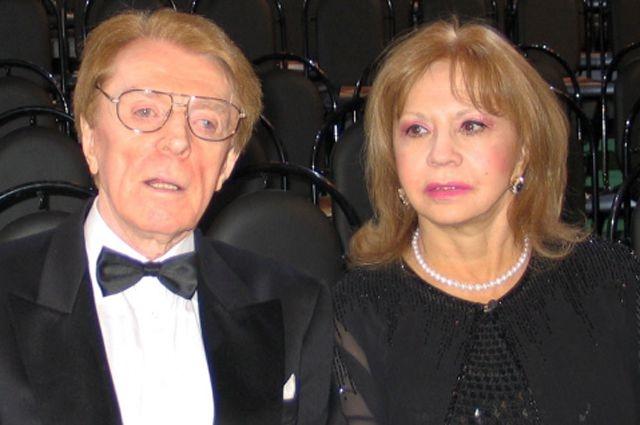 Лионелла Пырьева и Олег Стриженов. С 12 ноября 1976 года Олег женат на актрисе Лионелле Ивановне Пырьевой , общих детей у пары , увы, нет.