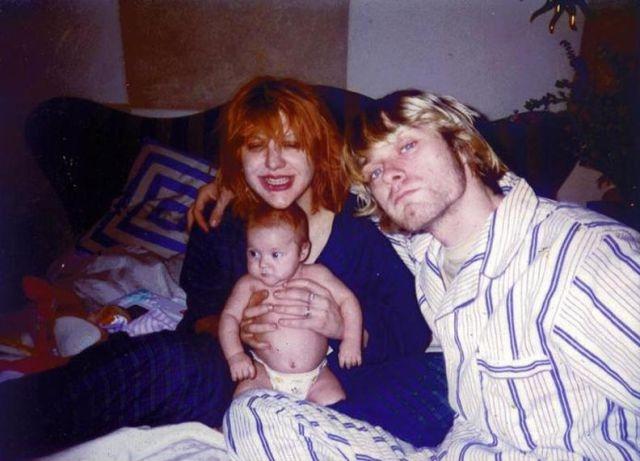 Дочь Курта Кобейна и Кортни Лав, Фрэнсис Бин Кобейн, родилась 18 августа 1992 года. Ее назвали в честь Фрэнсис МакКи, вокалистки любимой Кобейном шотландской группы The Vaselines.
