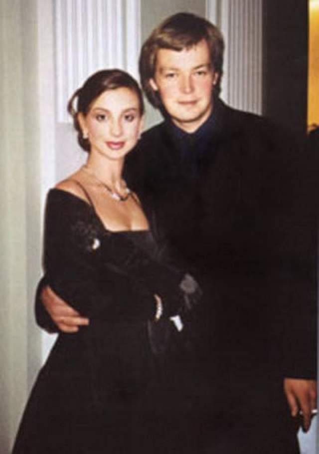 Екатерина Стриженова, 50 лет. Вышла замуж в 18 лет. Ее мужу Александру Стриженову тоже было 18 лет.