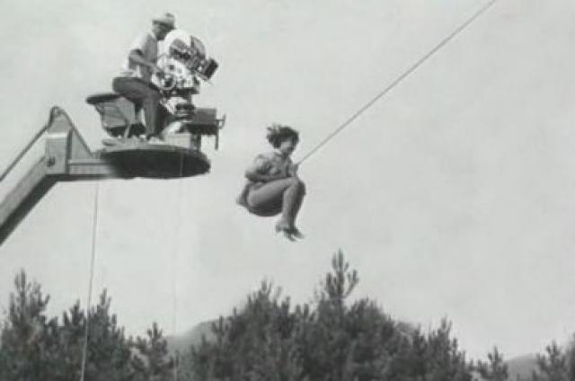Если трюковые эпизоды давались молодой актрисе довольно легко, то с игровыми сценами дело обстояло гораздо сложнее.