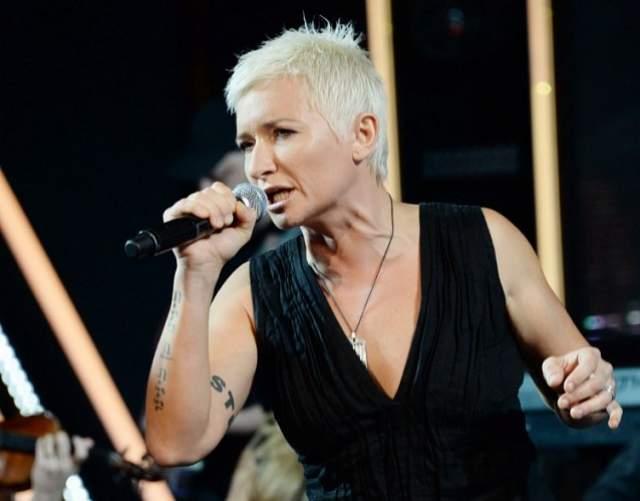 Диана Арбенина, 44 года. Фанаты шутливо называют Диану Арбенину барышней со стальным характером, но, несмотря на брутальный вид, певицу можно назвать одной из самых добрых музыкантов российского рока.