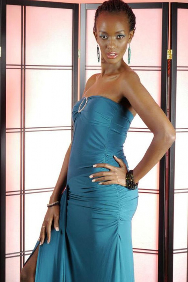 """Лайна Кеза (1983-2013). 29-летняя обладательница титула """"Мисс Африка"""" была зарезана в августе 2013 года."""