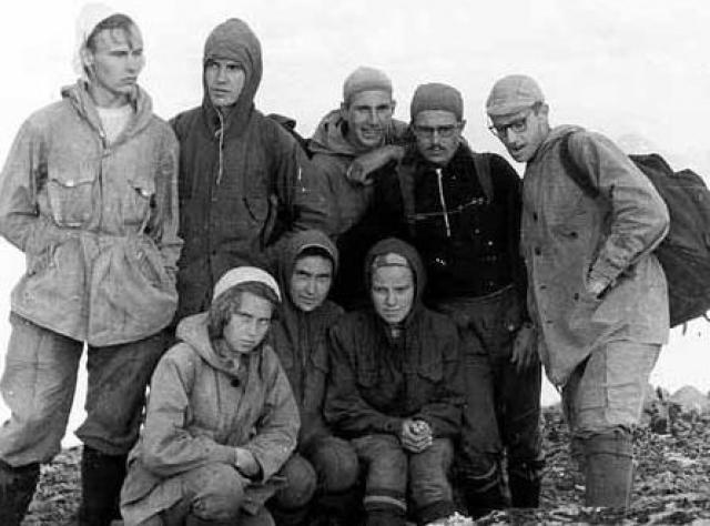 23 января 1959 года девять лыжников, семеро парней и двое девушек, турклуба начали лыжный поход по северу Свердловской области.