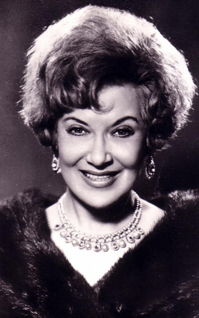 """""""Абсолютно не боюсь умирать. Я устала жить"""" , - сказала Орлова знакомой, пришедшей навестить ее в больницу. Актриса скончалась 26 января 1975 года в возрасте 72 лет."""