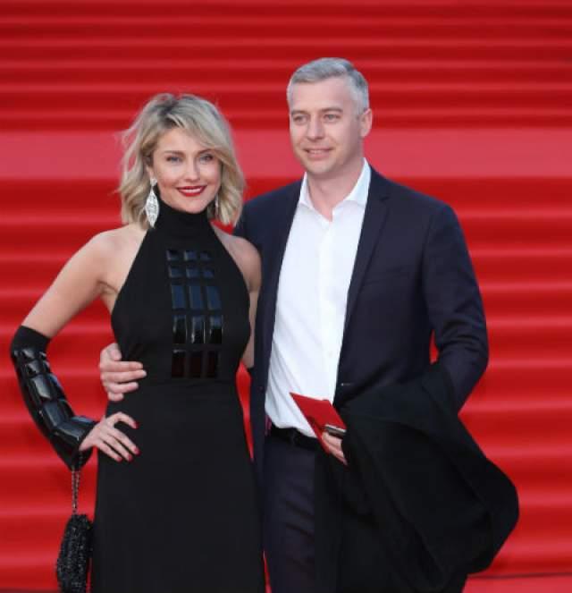 30 августа 2018 года Екатерина Архарова вышла замуж во второй раз. Избранником актрисы стал бизнесмен Артем Илясов - управляющий московского рыбного ресторана, для Ильясова это первый брак.