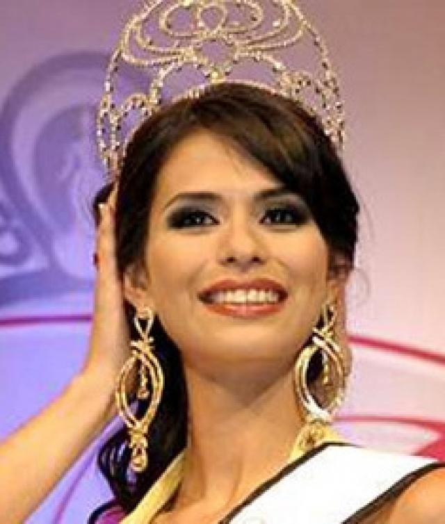 """""""Мисс Латинская Америка-2008"""" Лаура Зунига была лишена короны, поскольку оказалась девушкой весьма рисковой. Красотка из Мексики была арестована вместе со своим бойфрендом и его друзьями."""