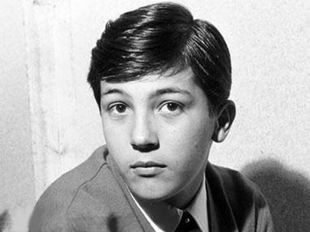 Робертино Лорети. Голос этого мальчика навсегда останется в истории мировой музыки. Его пение - это классика детского исполнения.