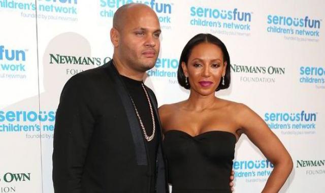 С 6 июня 2007 года замужем за кинопродюсером Стефеном Белафонте. В этом браке она родила свою третью дочь - Мэдисон Браун-Белафонте. В данный момент она проживает со своим мужем и тремя дочерьми в Лос-Анджелесе, штат Калифорния.
