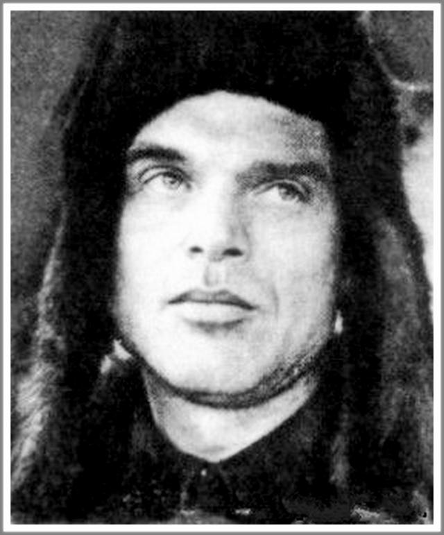 Экспериментальный самолет ДБ-1 с бортовым номером Н-209 с экипажем из шести человек под командованием Леваневского начал полет из Москвы через Северный полюс в Фэрбенкс, штат Аляска, США.