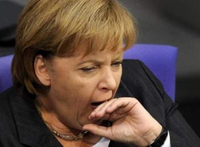 Зевающая Ангела Меркель