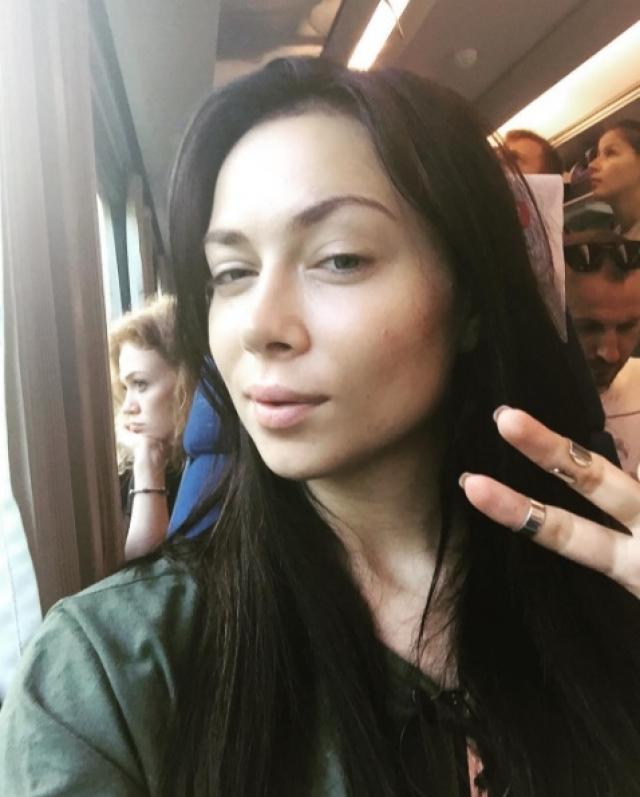 Настасья Самбурская. Фото актрисы без мейк-апа в ее Инстаграме появляются, пожалуй, даже чаще снимков с косметикой.