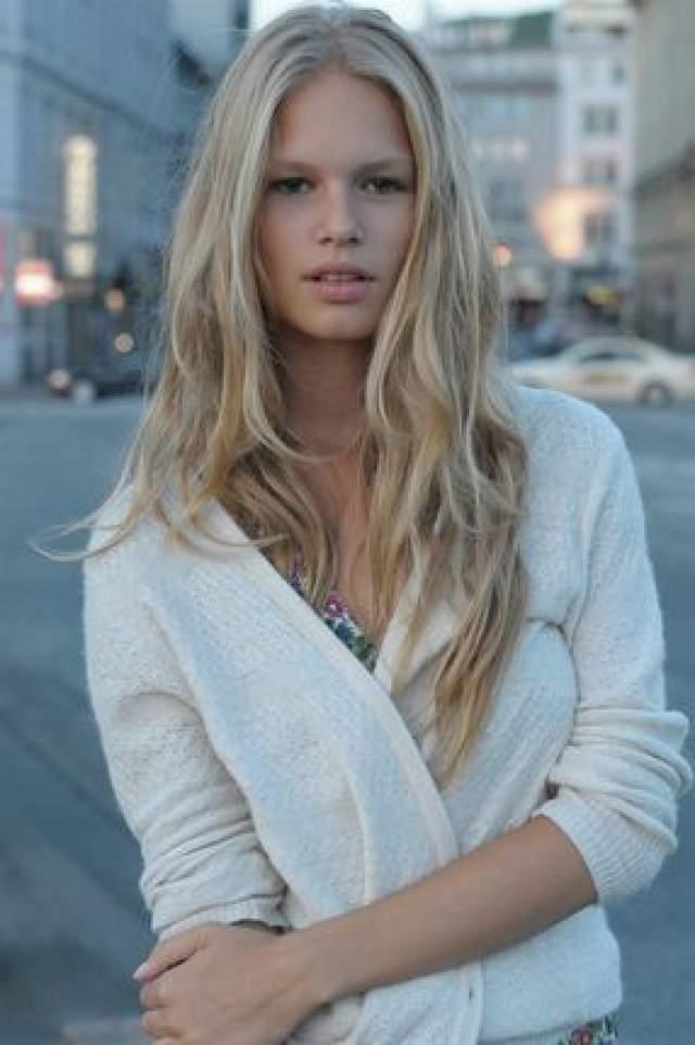 """Анна Эверс, 25 лет. Модель, которую называют новой Брижит Бардо, была признана """"Моделью года"""" по версии авторитетного портала Models.com в 2015-м."""