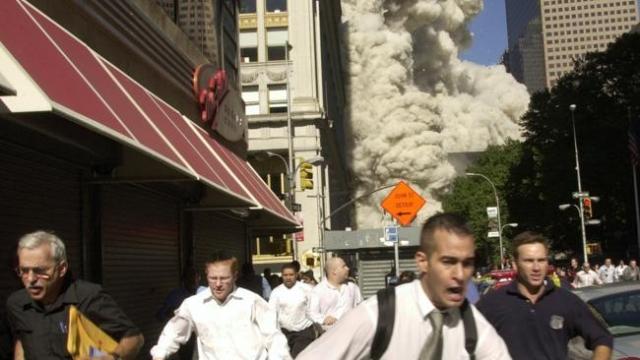 Погибли 246 пассажиров и членов экипажей самолетов, 2606 человек - в Нью-Йорке, в зданиях ВТЦ и на земле, 125 - в здании Пентагона.