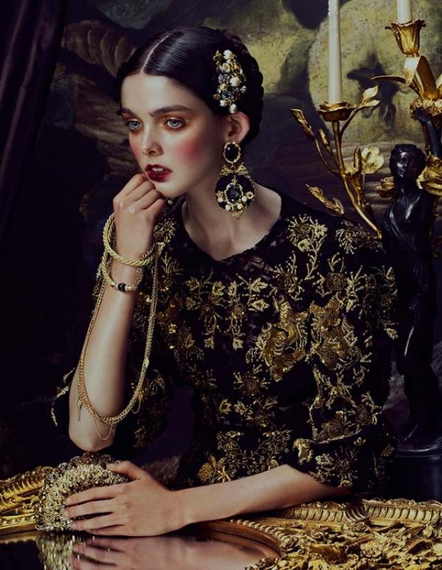 Лаура О'Грейди. Модель с выдающимися ушами подписала контракт с модельным агентством Select в Лондоне в 2013 после участия в конкурсе Elite Model Look в 2010.