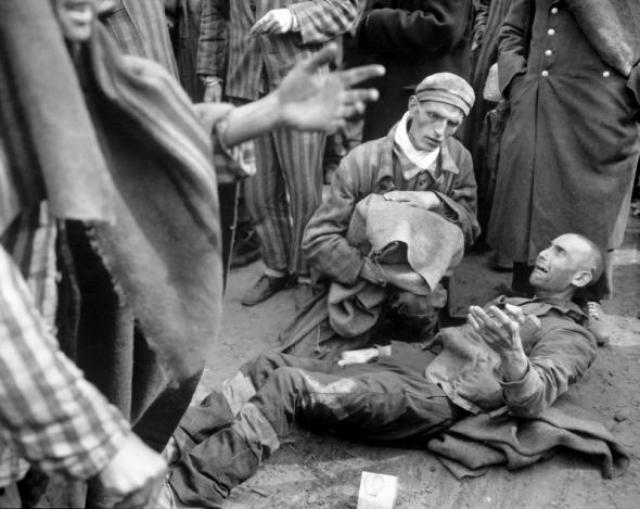 К тому моменту по усредненным данным более двух с половиной миллионов людей фашисты уничтожили в Освенциме.