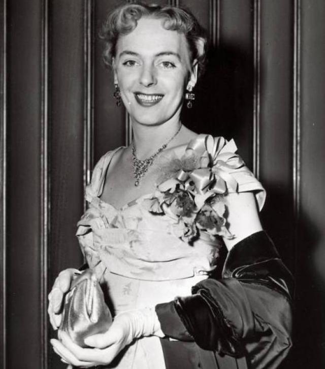 Кристина родилась 30 мая 1926 года в Бронксе мальчиком по имени Джордж. По окончании службы в армии он начал принимать женские гормоны и изучать возможность операции.