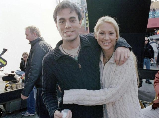 Через некоторое время он признался журналистам, что не может забыть Курникову, а уже пару месяцев спустя пара объявила о своем романе.