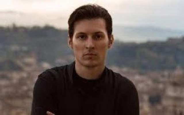 """Один из создателей """"Вконтакте"""", Олег Андреев, объяснил причину успеха социальной сети таким образом: """"Павел, в отличие от большинства программистов, понимал, чего хочет от жизни школьник и студент, и как это выглядит в дизайне. Он умер смотреть глазами человека, у которого старый браузер и медленный интернет""""."""