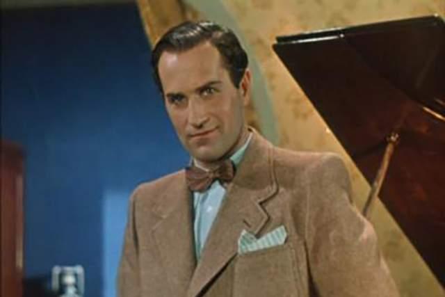Зельдин начал свой творческий путь еще в 1935 году, когда стал актером театра имени Моссовета. За свою карьеру сыграл более, чем 70 ролей в четырех театрах, в том числе 61 год на сцене Театра Российской армии.