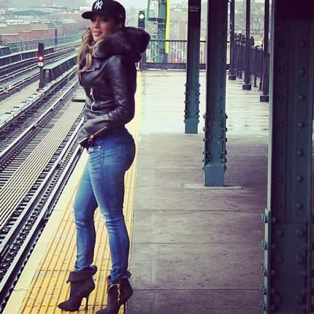 Дженнифер Лопес Дженнифер Лопес застраховала свою филейную часть на $300 миллионов. Певица однажды сказала в интервью британской версии журнала Marie Claire, что она всегда чувствовала себя уверенно и уютно в собственном теле.