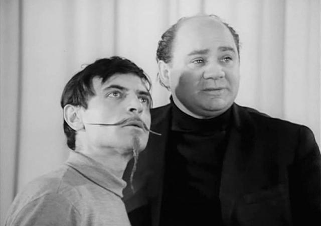 Леонов ушел к Марку Захарову в Театр имени Ленинского комсомола.