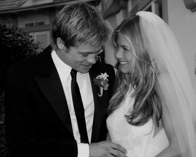 Свадебная церемония состоялась 29 июля 2000 года в Малибу. Поздравить звезд пришли две сотни гостей.