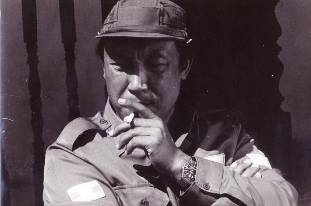 В итоге наркобарон сам сдался бирманским властям в 1996 году, а остаток дней провел на родине в комфортных условиях под домашним арестом.