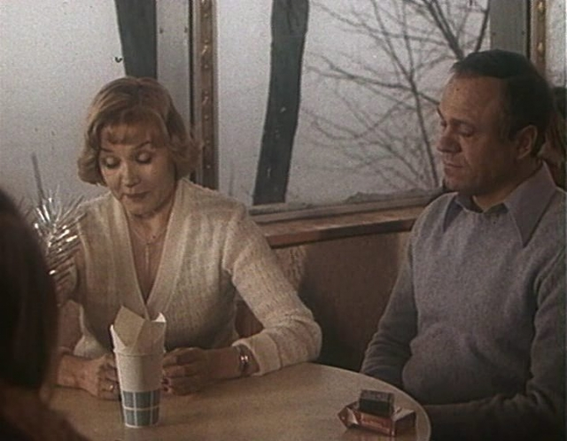 """После столь оглушительного успеха актрису стали приглашать на главные роли в кино. В 1982 году вышел фильм """"Время для размышлений"""", где она сыграла в паре с мужем."""