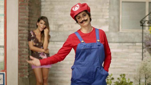 Пенелопа Крус в рекламе игровой консоли Nintendo 3DS в Японии.