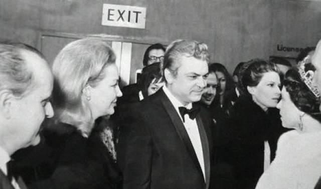 Сергей Бондарчук с женой на приеме у Елизаветы II в 1970 году.