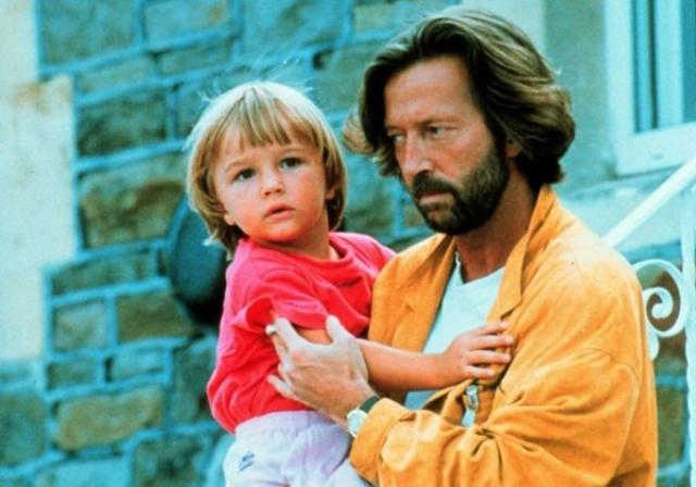 Эрик Клэптон. В 1985 году Клэптон закрутил роман с итальянской фотомоделью Лори дель Санто и у них родился сын Конор.
