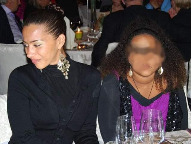 В 1999 году Бенаисса родила дочь. Во время беременности у нее был обнаружен ВИЧ. 11 апреля 2009 Бенаисса была арестована за то, что в период с 2004 по 2006 годы имела несколько незащищенных сексуальных контактов и при этом не ставила в известность партнеров о том, что у нее инфекция.