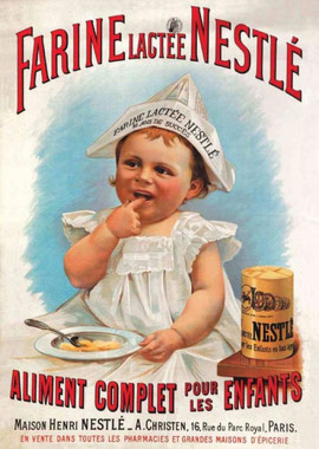 В качестве торгового знака для своих первых продуктов, Анри Нестле (Henri Nestlé) использовал фамильный герб. На тот момент традиционной семьей считалось родители и трое детей. Позже, ближе к середине 20 века, традиции поменялись. Поменялся и логотип. Теперь в гнезде, традиционно для Европы, всего 2 птенца.