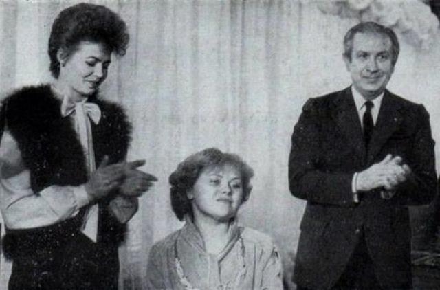 """Она была награждена высшим знаком олимпийского почета - Серебряным Олимпийским орденом Международного олимпийского комитета, а также советским орденом """"Знак Почета"""" (1980)."""